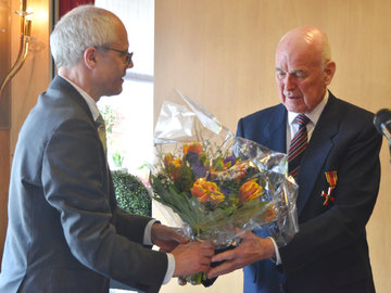 Bundesrepublik würdigt Stuckenborsteler mit Verdienstorden  Von Rosemarie Swingle