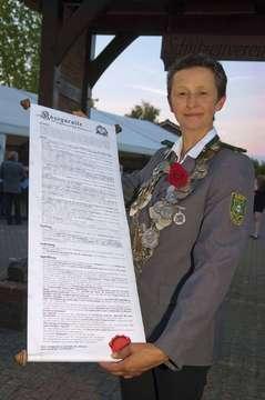 Mit Aufgabenzettel Schützenverein Eversen proklamiert Monarchin