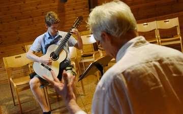 Rotenburger Gitarrenwoche am Ahauser Waldrand