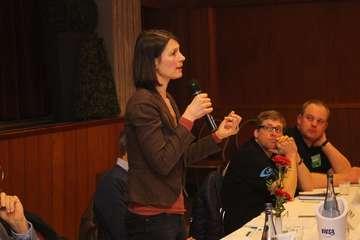 Positionen nicht immer konträr Grüne und LSV diskutieren  Von Henning Leeske