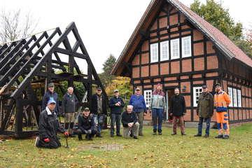 Abbau für Wiederaufbau Heimatverein krempelt Gelände um  Von Andreas Schultz