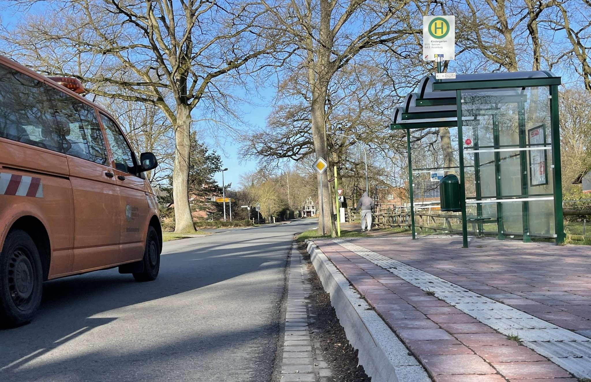 Die beiden Reeßumer Bushaltestellen sind bereits barrierefrei, weitere sieben in der Gemeinde könnten folgen.