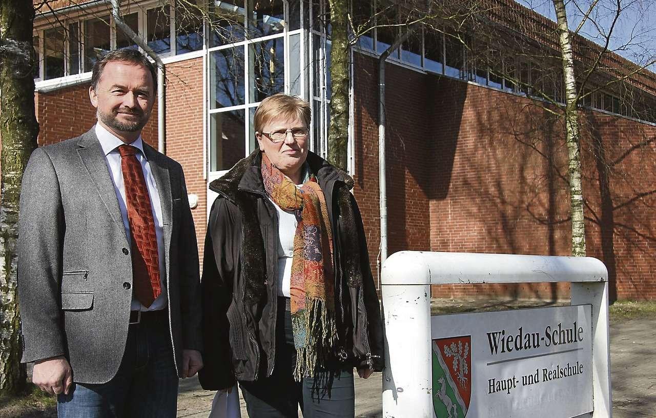 Dirk Eberle und Annemarie Dollinger planen Veränderungen an der Wiedau-Schule.