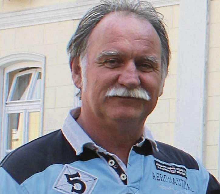 Bürgerbusvereinsvorsitzender Eckhard Langanke hat einen Antrag auf den Weg geschickt, um Mobilität zu gewährleisten.