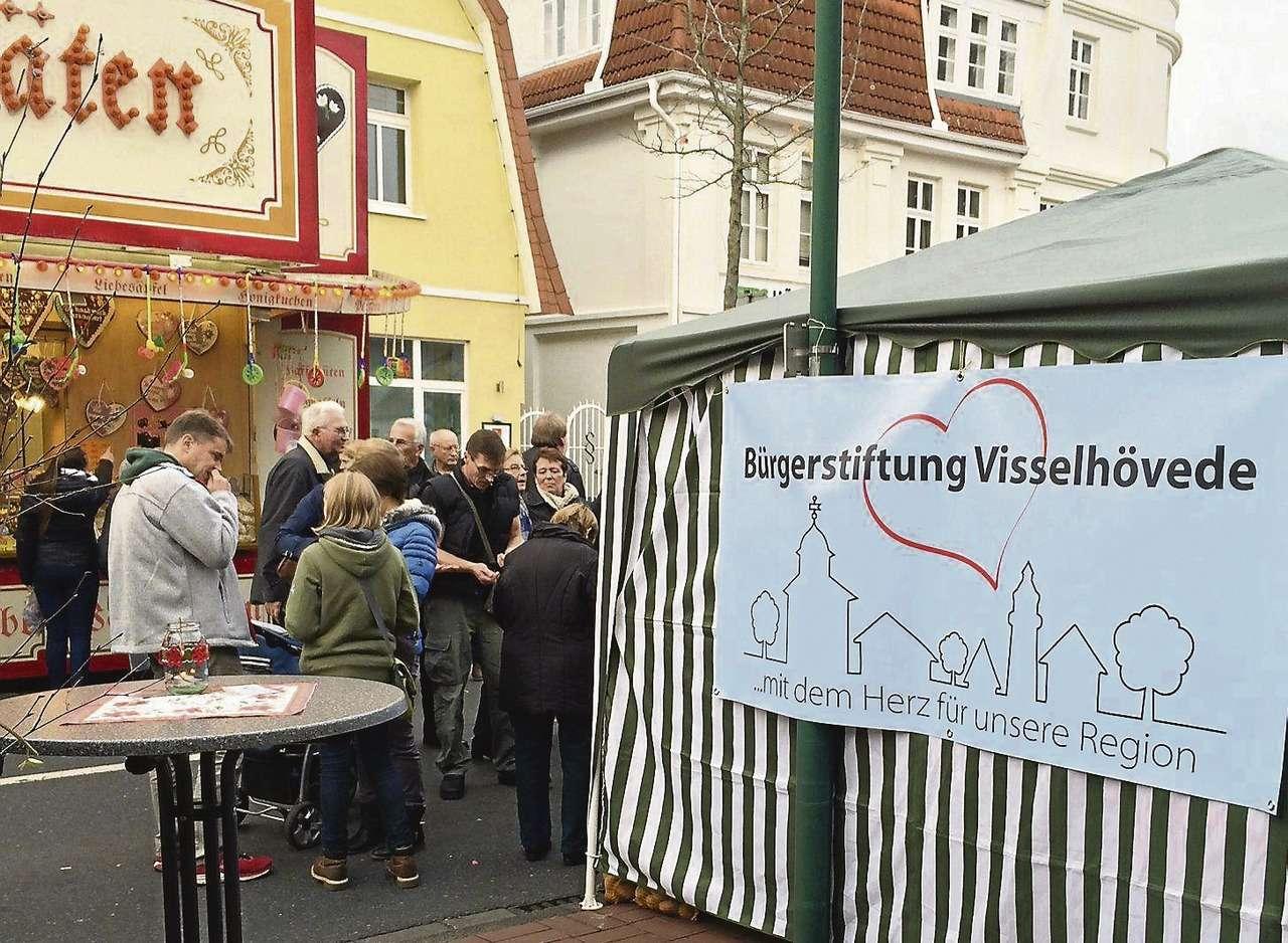 Auf dem Martinsmarkt war die neue Bürgerstiftung von Visselhövede mit einem Stand vertreten.