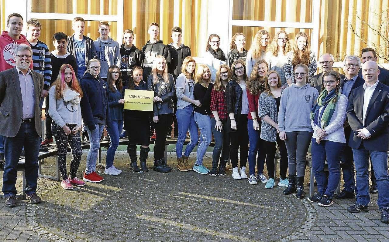 35 Schüler der OBS sammelten Geld für die Kriegsgräberfürsorge.