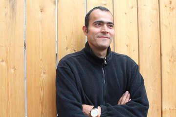 Mit Bäumen Zeichen setzen Miad Pedramkhou hat Idee mit der Integration anschaulich wird  Von Christine Duensing