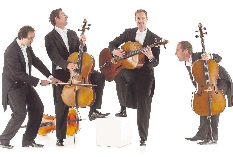 Quattrocelli u2013 das sind die vier Cellisten Lukas Dreyer (von links), Tim Ströble, Matthias Trück und Hartwig Christ. Am Freitag spielen sie beim Kultursommer in Visselhövede.