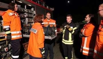 Schwitscher Brandschützer erkunden Rüstwagen des Landkreises