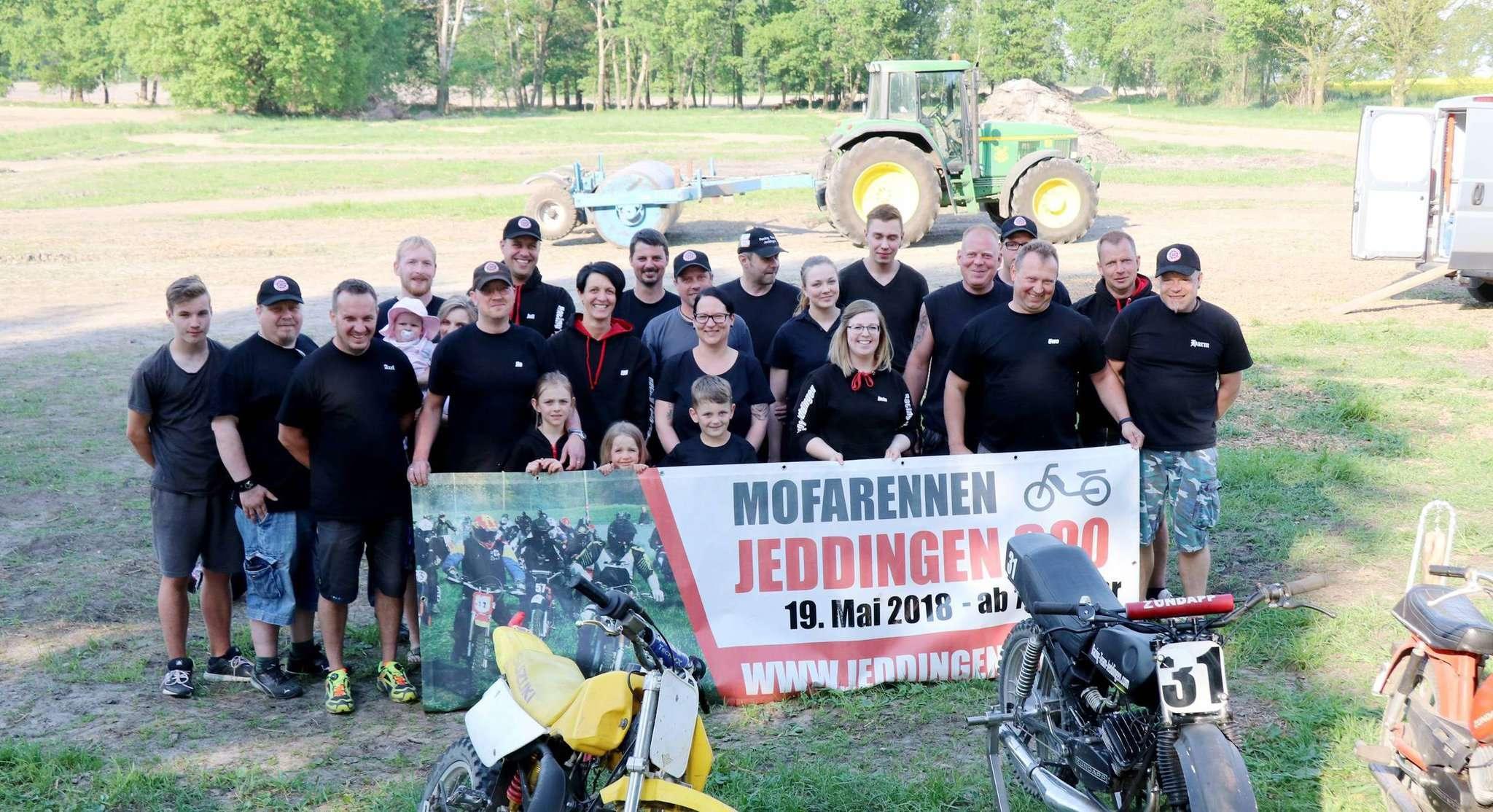 Das Racing-Team Jeddingen freut sich auf das Mofarennen am Pfingstsamstag. Foto: Nina Baucke
