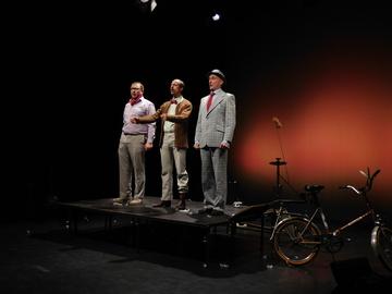 Theater Hof 19 mit Geschichten aus Bollerup im Metronom  Von Jens Lo�s
