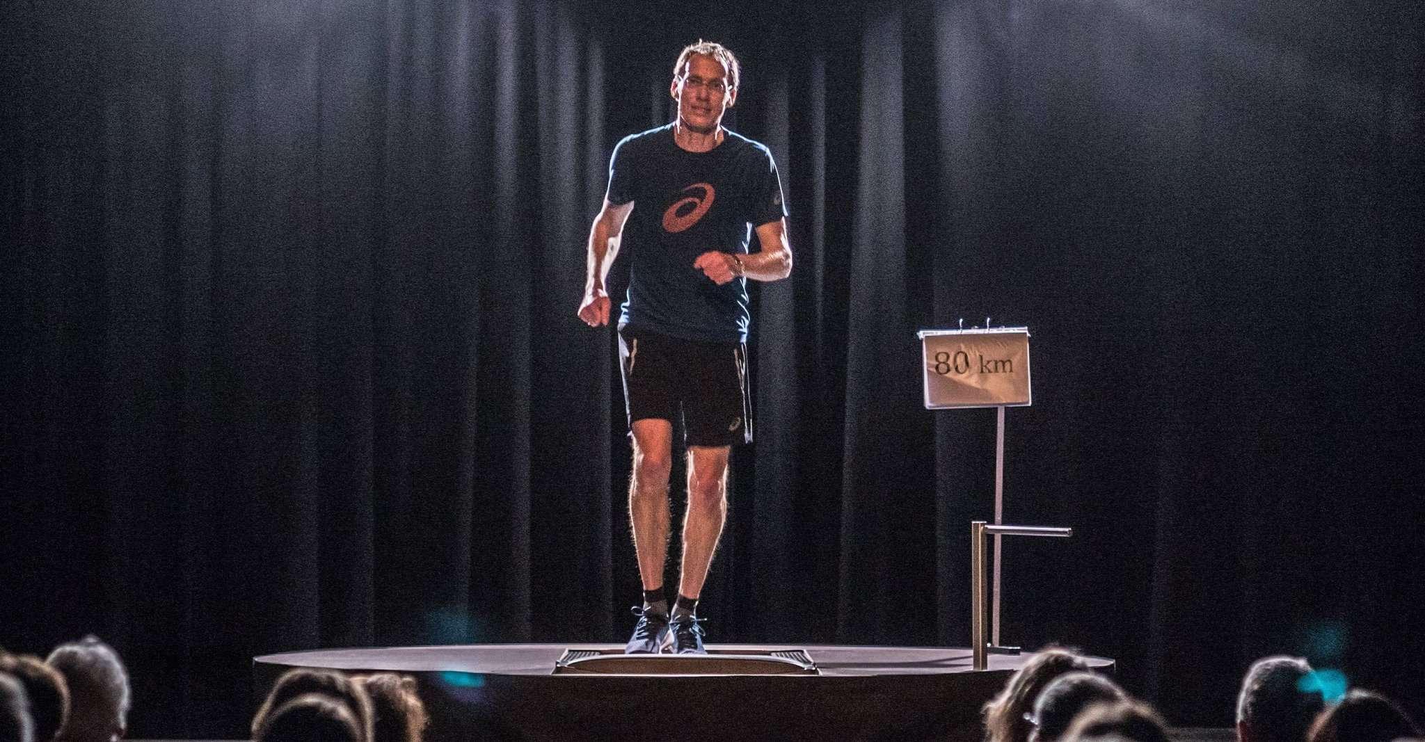 Ein Mann, ein Laufband, eine Bühne: Olympionike Dieter Baumann macht am 9. Februar Kabarett in Visselhövede.