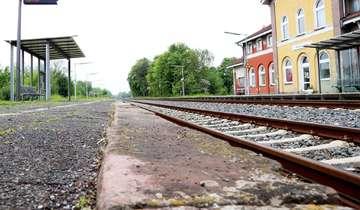 Bahnhofsplanungen stoßen im Bauausschuss auf Kritik  Von Nina Baucke