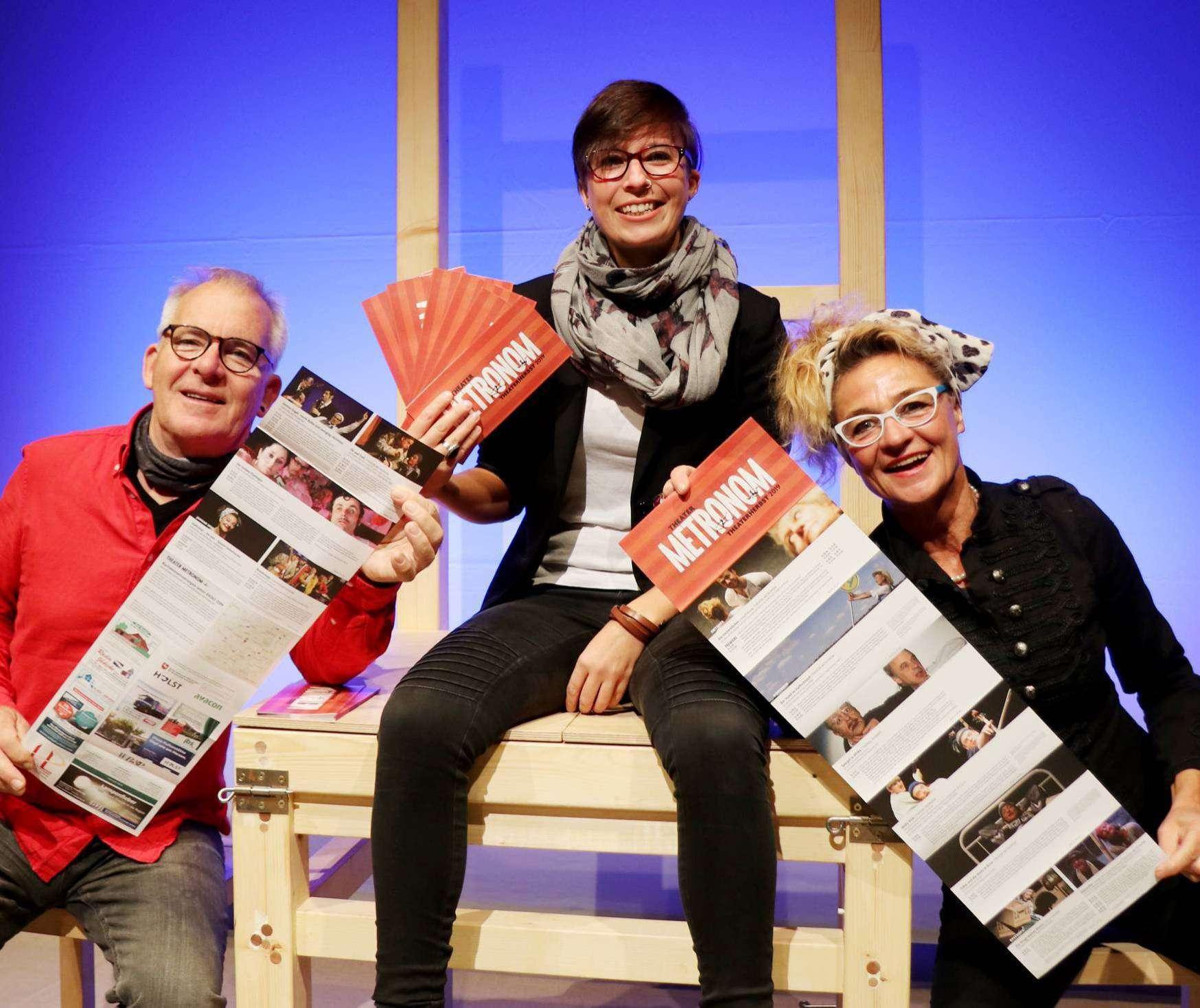 Andreas Goehrt (von links), Tomke Heeren und Karin Schroeder starten mit dem neuen Spielplan in den Theaterherbst. Foto: Nina Baucke