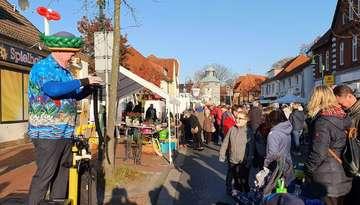 Visselhöveder Martinsmarkt lockt Tausende von Besuchern an  Von Klaus Müller