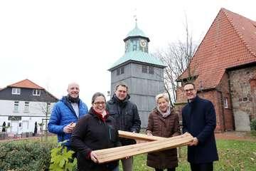 Kirchengemeinde schließt Spendenaktion für den Turm ab  Von Nina Baucke