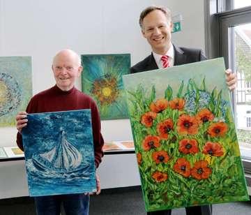 HansHeinrich Bardenhagen verkauft seine Bilder für die Bürgerstiftung