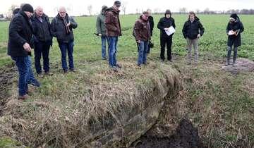 Ausschuss begutachtet marode Kanalüberfahren in Wittorf  Von Nina Baucke