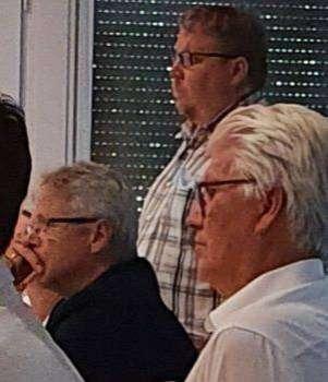 Heiko Grünhagen (hinten stehend) informierte über den Digitalpakt. Foto: Klaus Müller
