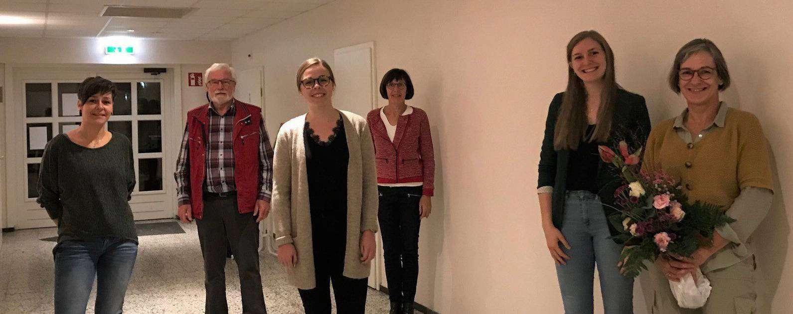 Ramona Richter-Röhl (von links), Harald Hüner, Inga Bostelmann, Annegret Pralle und Laura Röhrs bedankten sich bei Christina Röhrs für ihr langjähriges Engagement.