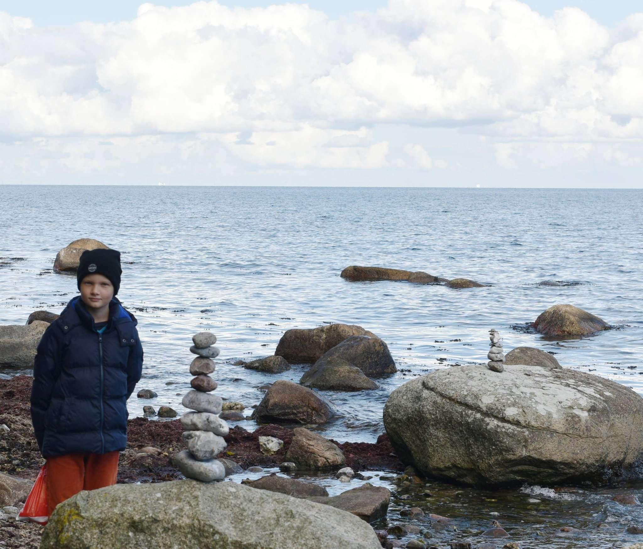 Der zwölfjährige Moritz ist gerne am Meer. Er war zuvor bereits einige Mal mit seiner Mutter Marina Rochel dort.