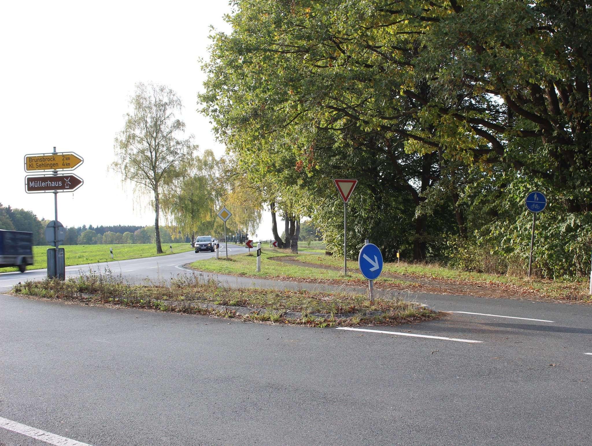 An der Kreuzung nach Brunsbrock bei Kirchlinteln endet der Radweg entlang der L171 bisher. Das soll sich bald ändern, wenn es nach der IG geht. Foto: Henning Leeske
