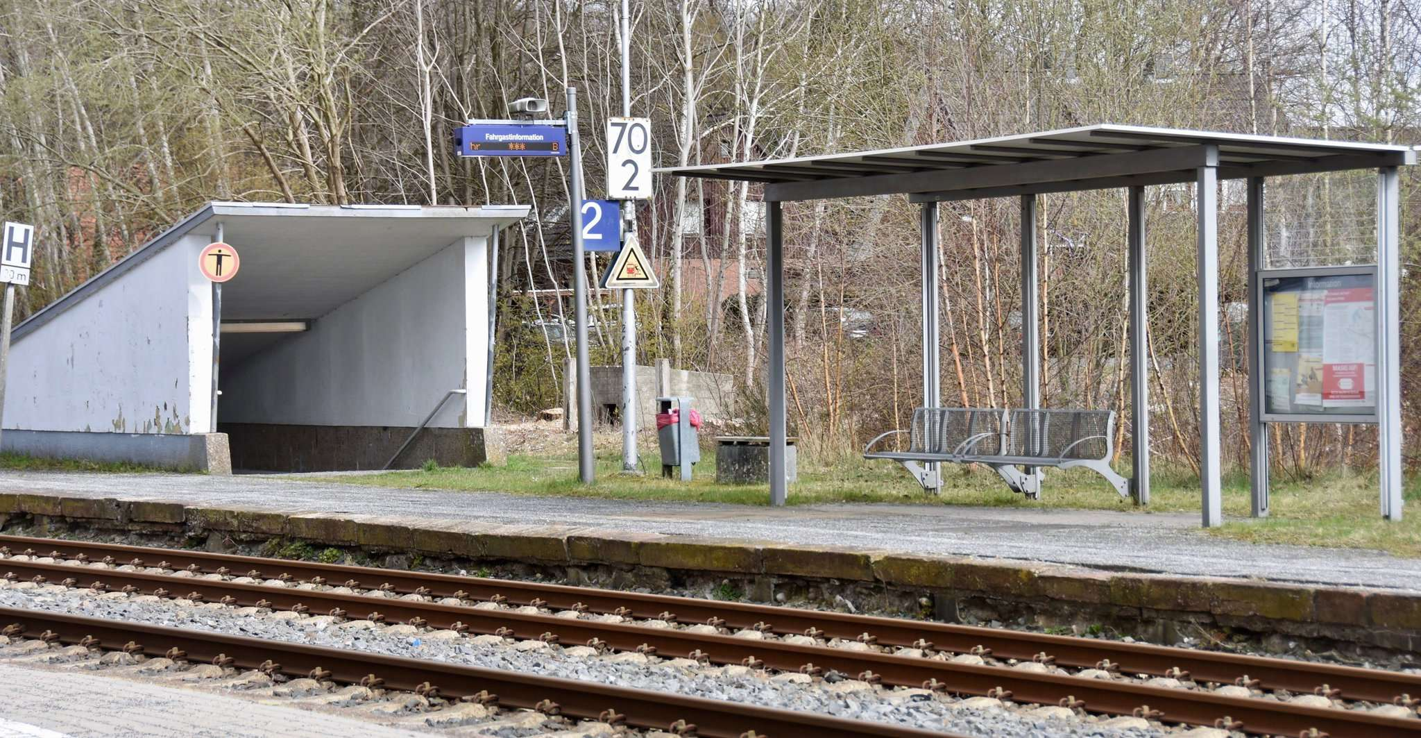 Der Weg zwischen den Bahnsteigen wird ohne Unterführung in Zukunft länger werden. Foto: Judith Tausendfreund