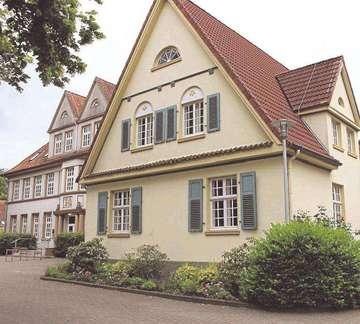 Kulturverein spendet Lesestoff an Gemeindebücherei