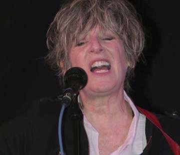 Sängerin Sonia begeistert in Kreuzbuchen