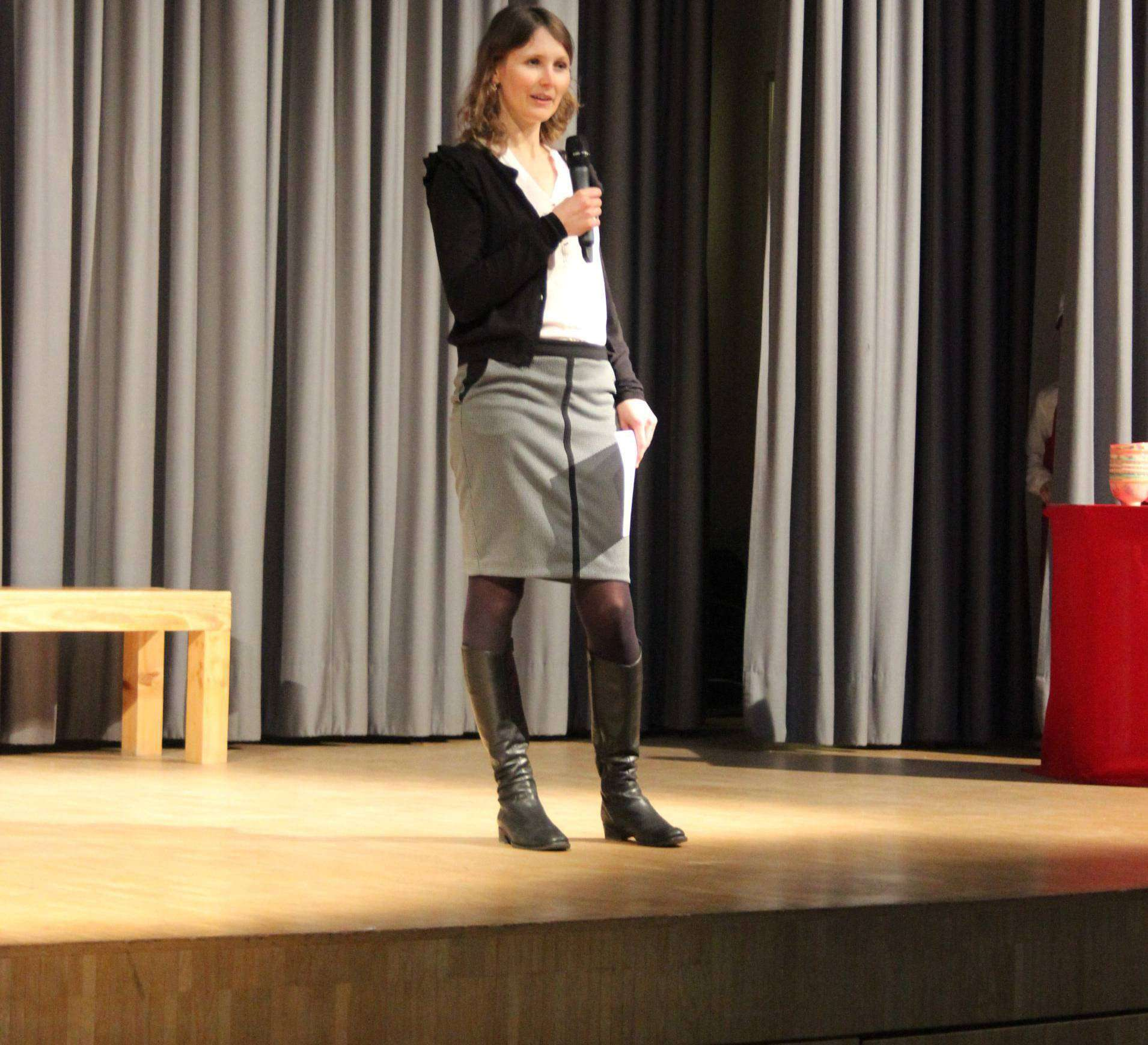 Konrektorin Frauke Wessels begrüßte die Gäste am Tag der offenen Tür. Foto: Björn Blaak