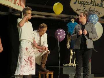Waldorfschüler begeistern mit Theaterinszenierung