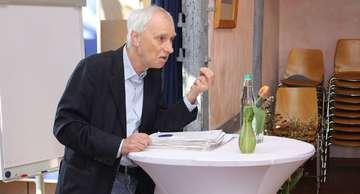 Professor Wolfgang Hinte hält Vortrag zu neuem Ansatz bei Inklusion