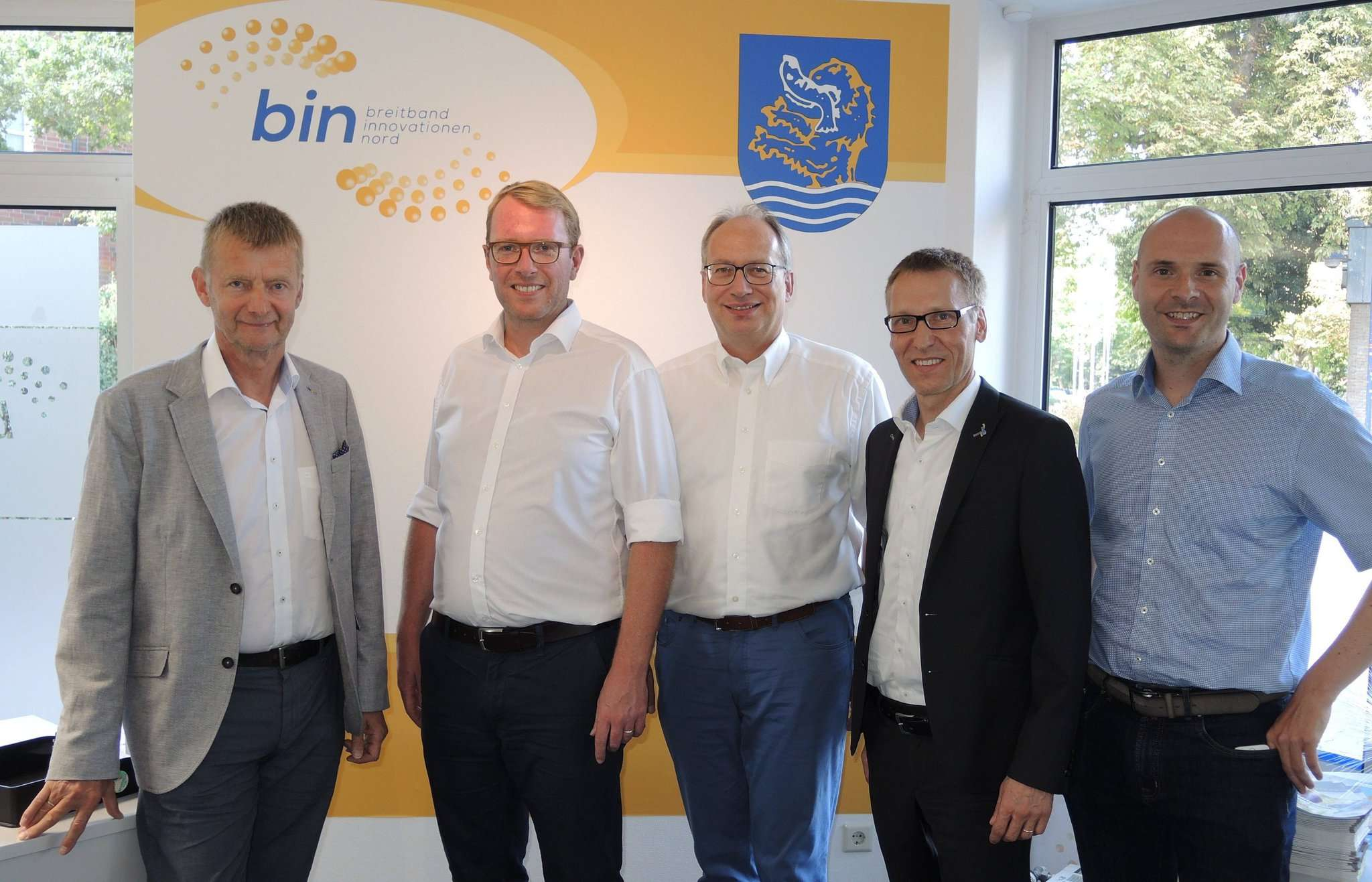 Bürgermeister Horst Hofmann (von links) hatte Staatssekretär Stefan Muhle aus dem niedersächsischen Wirtschaftsministerium und den Landtagsabgeordneten Axel Miesner zu Gast. E-Werksleiter Helge Dannat und Christoffer Dehne (Prokurist bei