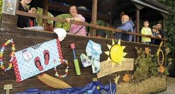 Posthausen feiert rund um das Heimathaus den Saisonausklang  Von Tobias Woelki