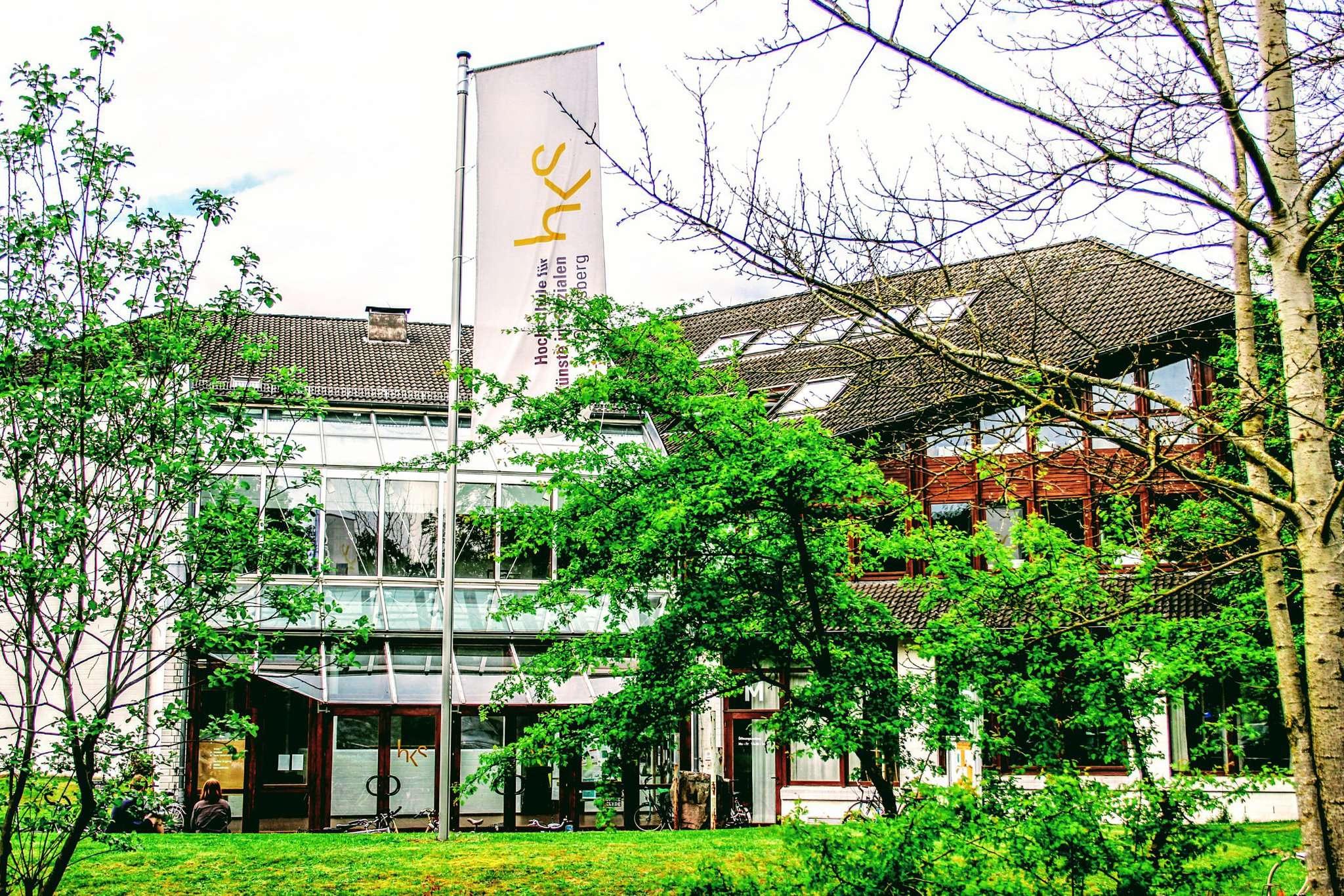 An der Hochschule für Künste im Sozialen (HKS) in Ottersberg gibt es Streit: Die Akademieleitung hat beschlossen, 2019 die Mensa zu schließen und das Essen vom Parzival-Hof liefern zu lassen. Die Studenten sind dagegen. Foto: Björn Blaak