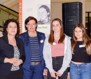 Applaus für Fischerhuder Schülerinnen im Landtag