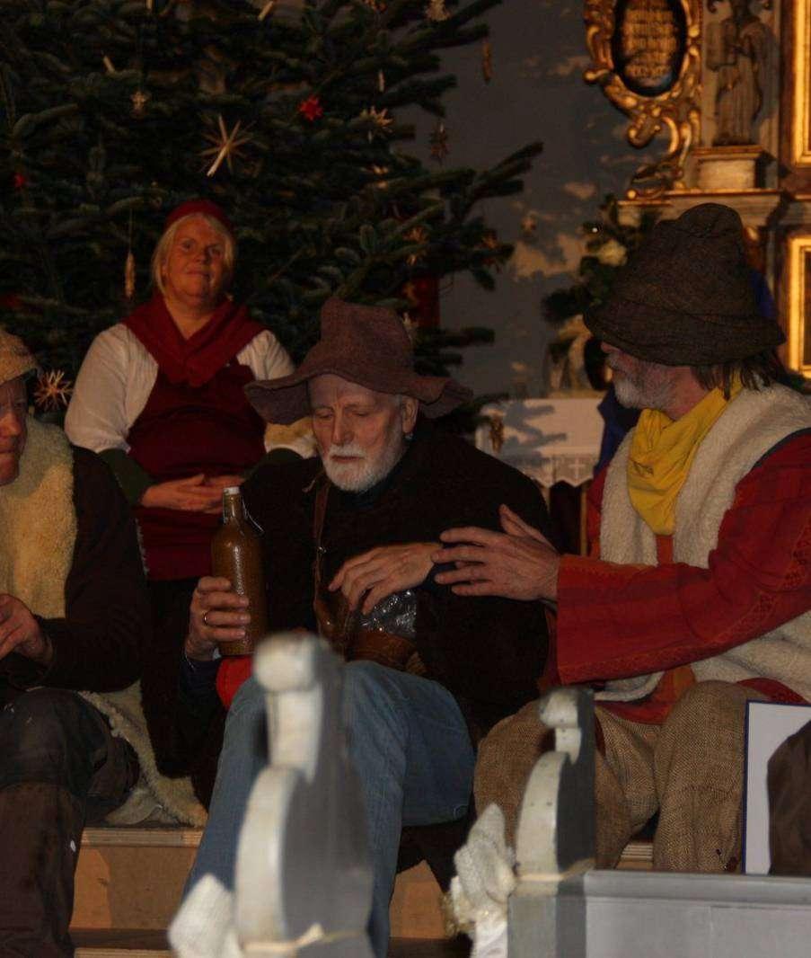 Die Kumpanei führt die Oberuferer Weihnachtsspiele auf.