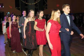 Die Freie RudolfSteinerSchule bittet zum Tanz