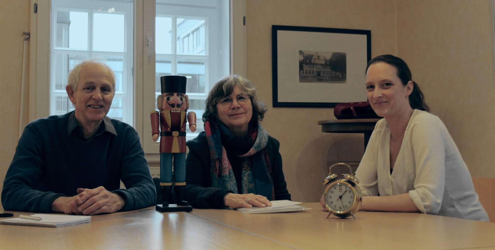 Freuen sich auf die Premiere des Repair-Cafes im Rektorhaus am 6. Februar (von links): Wilfried Voortmann, Sabine Bartram und Jana Czichos.  Foto: Björn Blaak