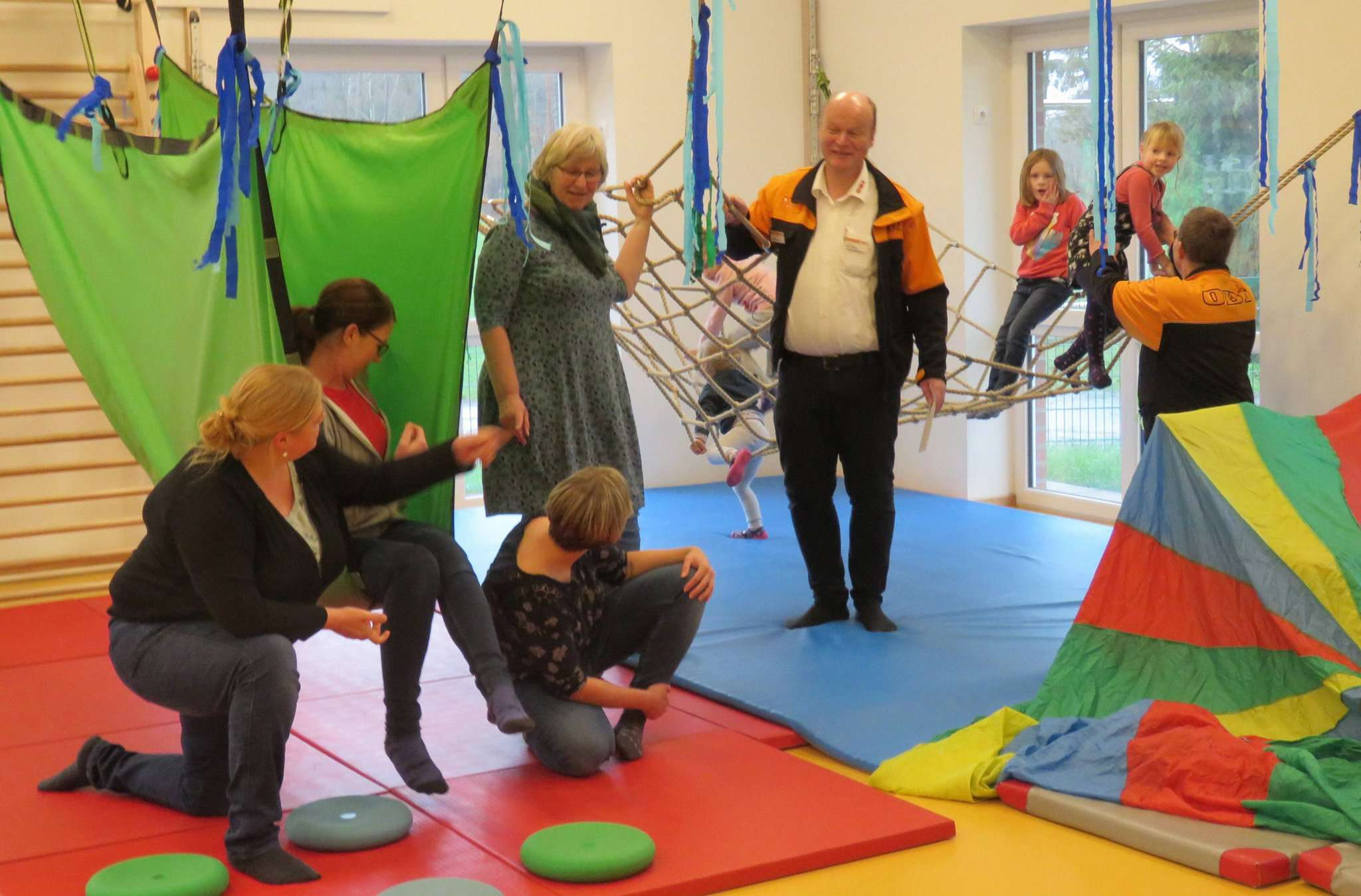 Die Bewegungshalle in der Kita Posthausen ist ein Paradies für Kinder. Foto: Elke Keppler-Rosenau