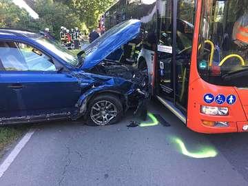 Nach Wendemanöver schwerer Unfall auf der L168