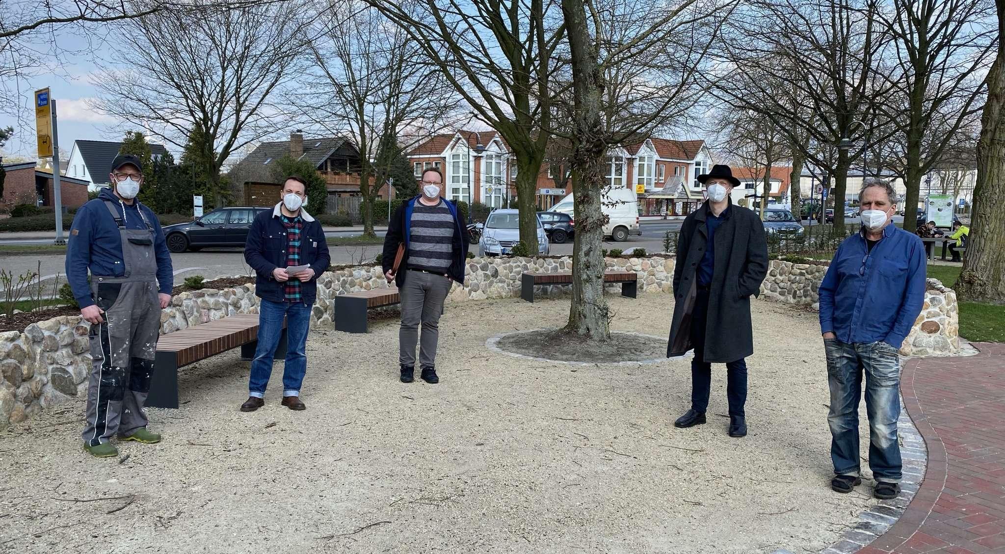 Wollen einen Wochenmarkt vor der Schule auf die Beine stellen: Stefan Steinbach (von links), Jesper Theis, Marco Lorenz, Tim Willy Weber und Christian Wiencke.