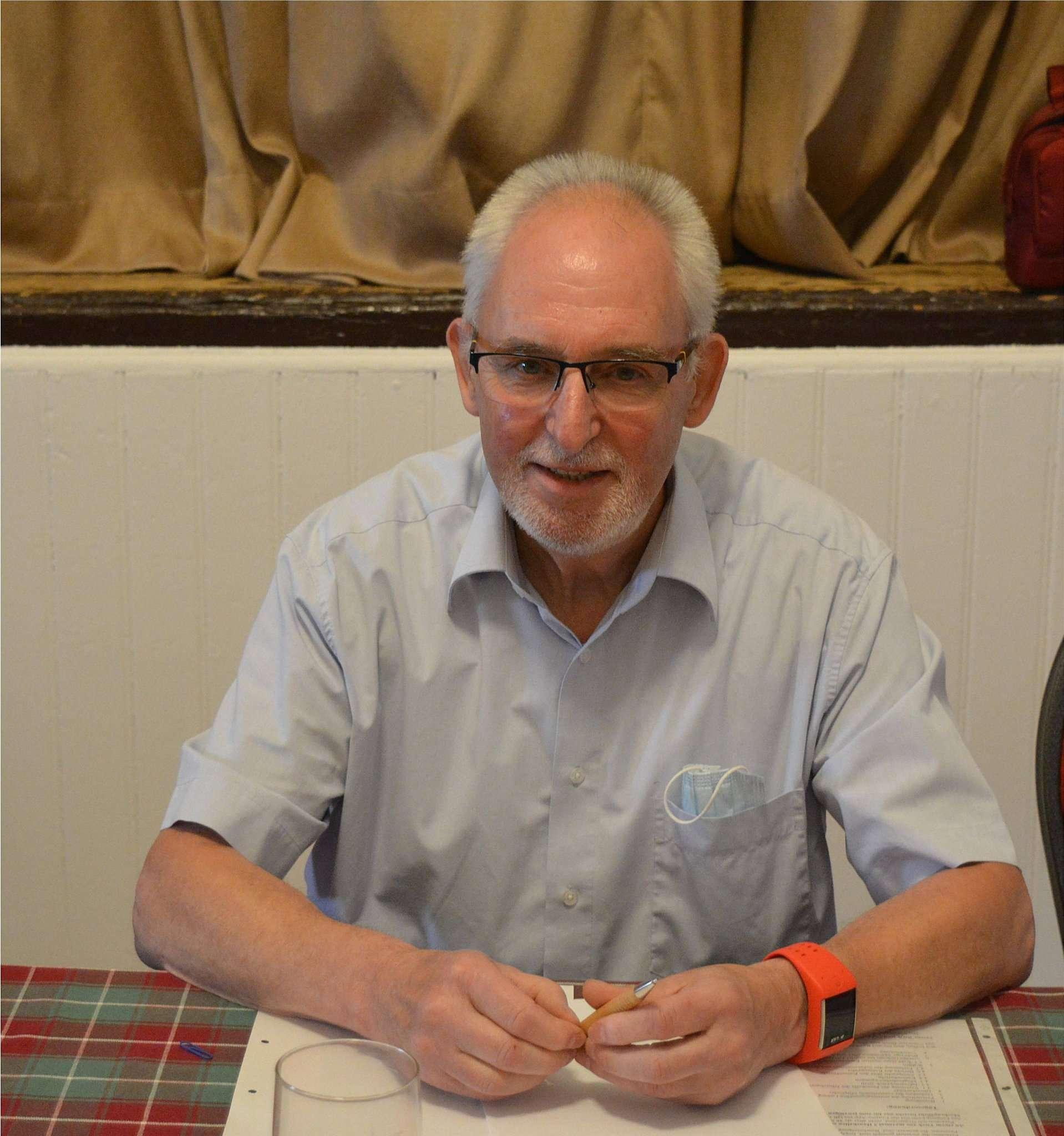 Günter Grajetzky, Vorsitzender des humanitären Vereins
