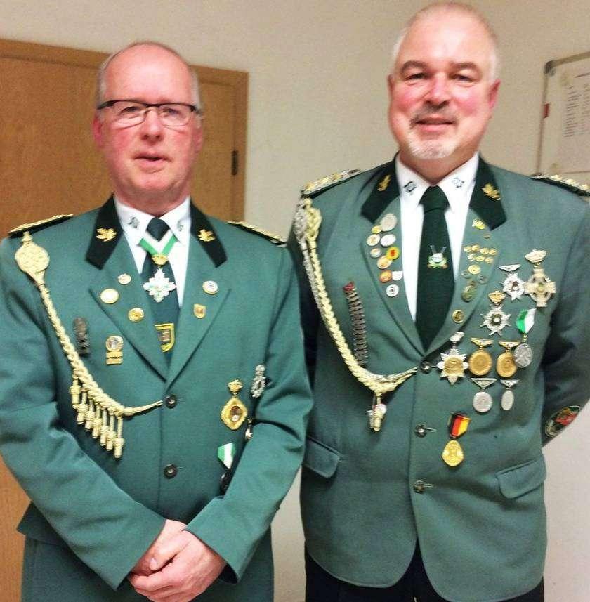 Die Vorsitzenden der Schützenvereine (von links): Johann Bollmann (Mühlentor) und Gerhard Bischoff (Oyten).
