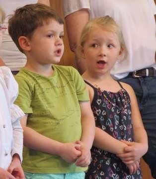 Chorgemeinschaft Liederkranz bringt Stimmung in das Rathaus