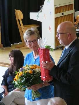 Bassener Schulleiterin Birgit Bruelheyde verabschiedet