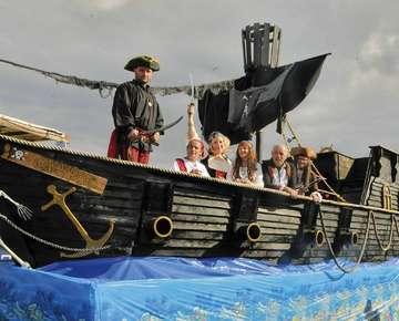 Schaphusen und Bockhorst feiern buntes Erntefest  Von Tobias Woelki