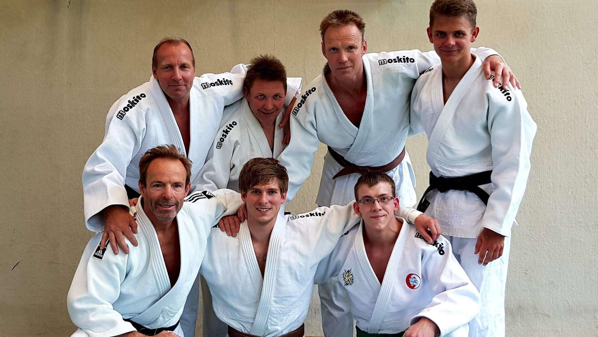 Die Kampfgemeinschaft Enjoy Judo/OT Bremen reiste mit personellen Problemen nach Garbsen zur Niedersachsenliga.