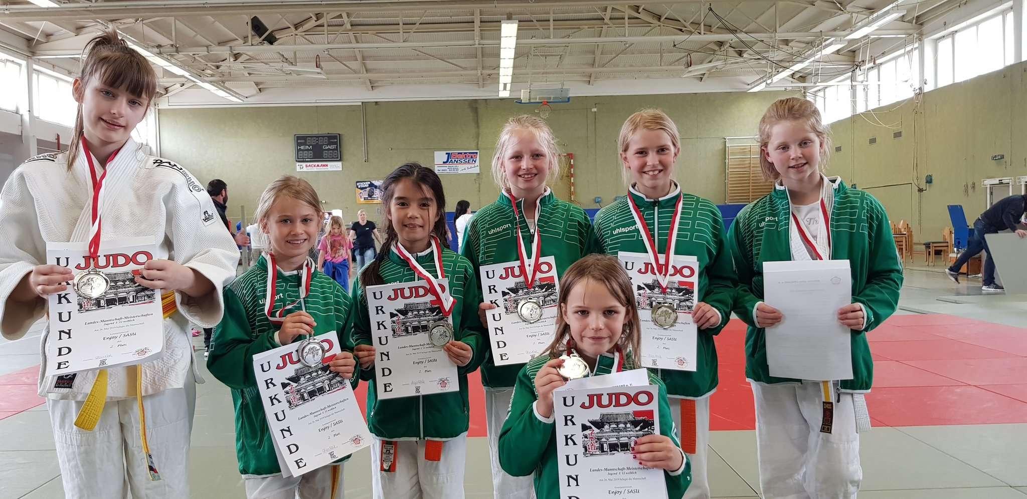 Am vergangenen Wochenende wurden die Mädchen von Enjoy Judo aus Oyten U12-Vize-Landesmeister.
