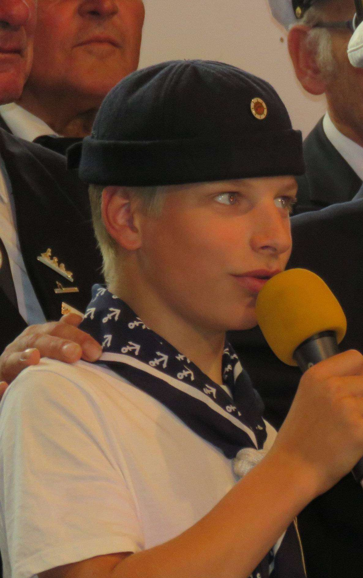 Niklas, ein selbstbewusster junger Sänger, hatte seinen ersten Solo-Auftritt und absolvierte ihn bravourös.  Foto: Elke Keppler-Rosenau